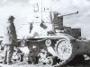 Amerykanin ogląda czołg M 13/40