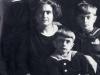 Rachela Mussolini z dziećmi